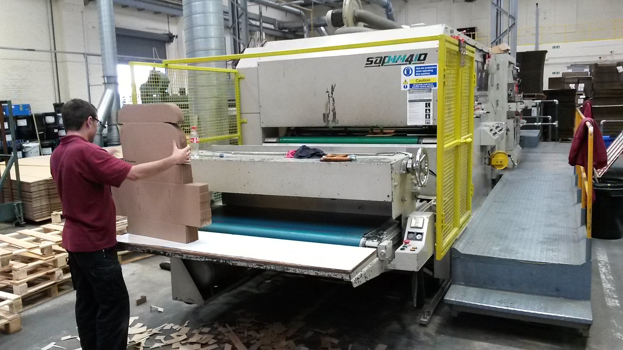 Automatic Flatbed Die Cutter Machine | Nuttall Packaging